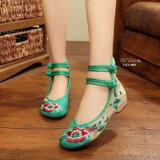 Style Chinese shoes