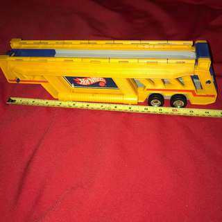 1986 Hot Wheels Semi Truck Trailer Auto Transporter Car Hauler Carrying Case