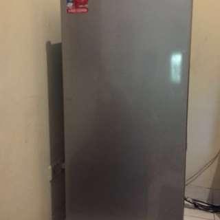 Freezer Sharp FJ-M189