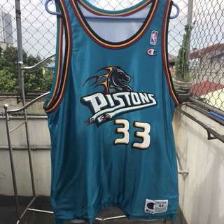 grant hill - pistons reversible jersey