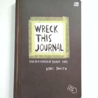 WRECK THIS JOURNAL (KERI SMITH)