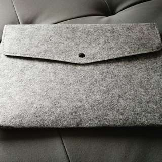 Microfiber wristlet file folder