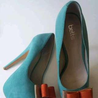 Betts heels sz 7