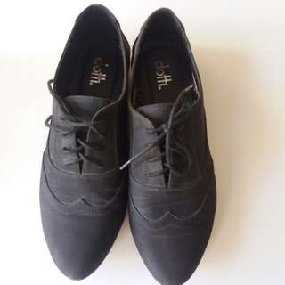 Dotti shoes sz 8