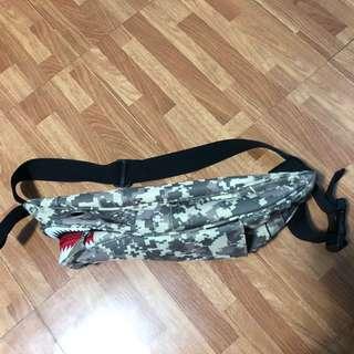 shark sling/belt bag