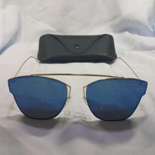 BLUE COOL SHADES W/ CASE