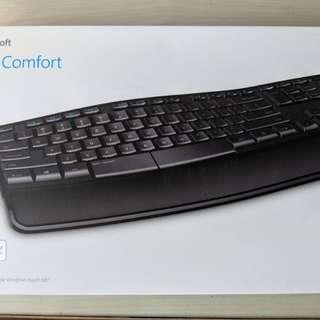 Microsoft Sculpt Comfort Wireless Keyboard set