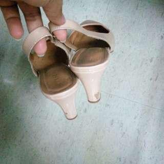 André stiletto heels (beige)