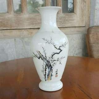 Vas Keramik Antik Terawat