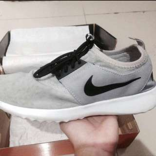 Nike Juvenate Grey Black