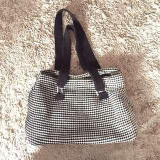 Come Black & white Wool bag