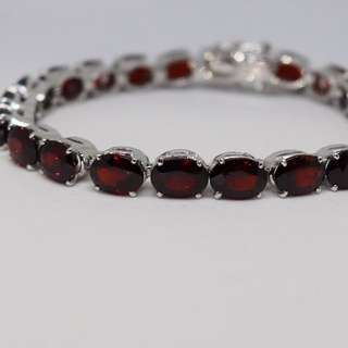 Garnet natural gemstones