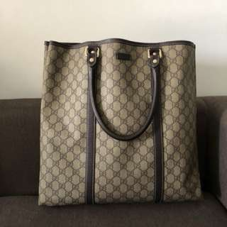 Gucci Handbag 💯 authetic original come with full set