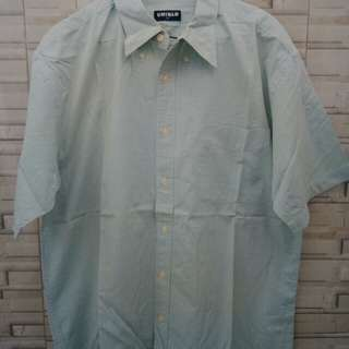 kemeja Uniqlo size L fit to xl
