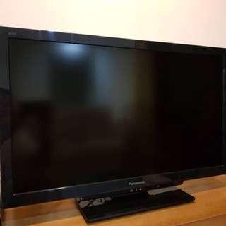 """Panasonic 32"""" TV"""
