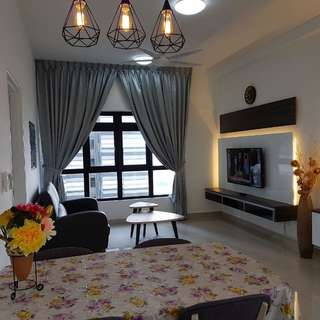 Luxury Condo beside Legoland