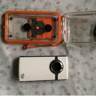 FLIP Ultra HD Video W Underwater Case