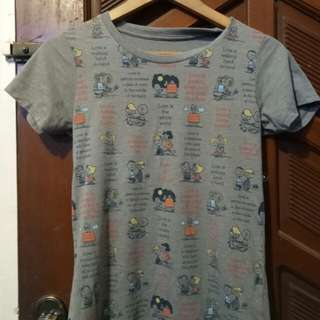 Uniqlo Peanuts Snoopy top