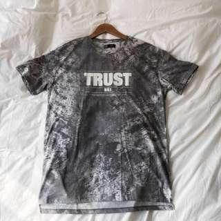 Bershka Trust t-shirt