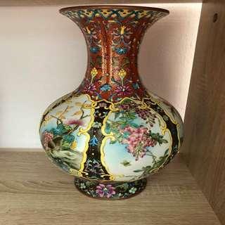乾隆年间彩瓷花瓶