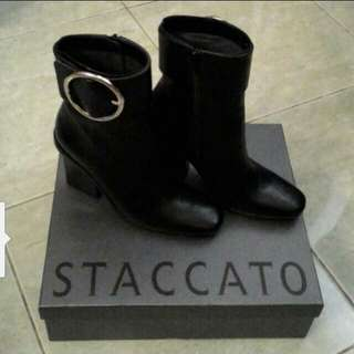 Boots staccato size 6 #CNY2018