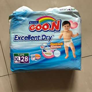 Pampers goon tape size XL