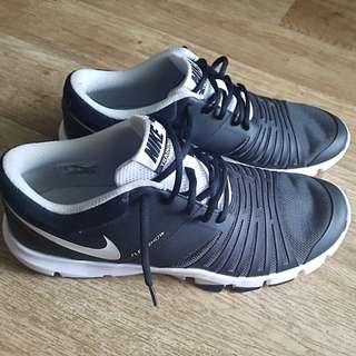 Nike Flex Show