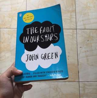 The fault in our stars buku/ book