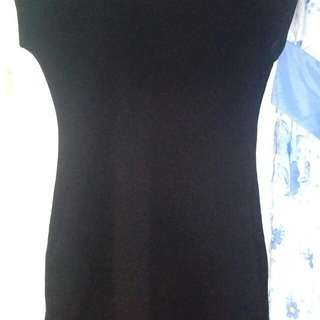 Black dress with side pockets