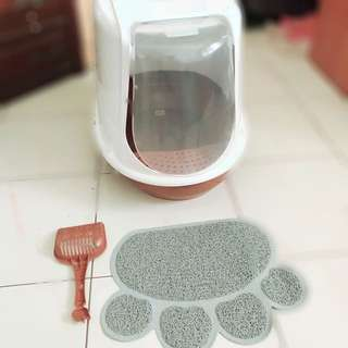 Cat Closed Litter Box