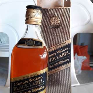Johnnie Walker black label extra 12 years special edition