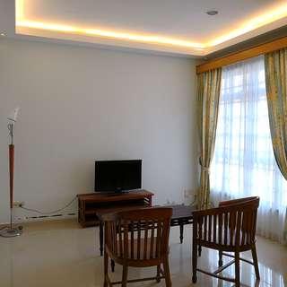 3 bedroom @ azalea park condo for rent