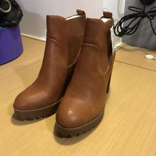 Bershka 短boots (全新,size 39)