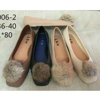Sepatu wanita jelly flat pompom