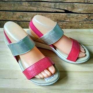 Sepatu Wanita Wedges Symbolize