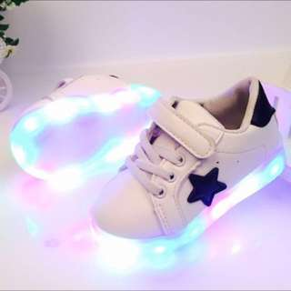 LED baby Shoes - white shoes black star