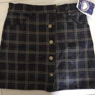 Checkered Tartan Buttoned Up Skirt