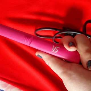 For Sale Vidal Sassoon Hair Straightener