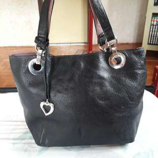 Memo's Saccs Genuine Pebbled Leather Black Shoulder Handbag Authentic