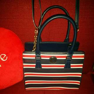 Tommy Hilfiger bag with sling