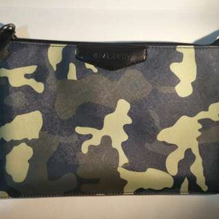 As NEW!! Givenchy Hacky Clutch