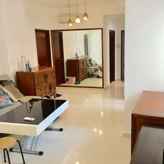 Newly Renovated Large Master Room @Sims Dorado, 2mins away from Paya Lebar MRT