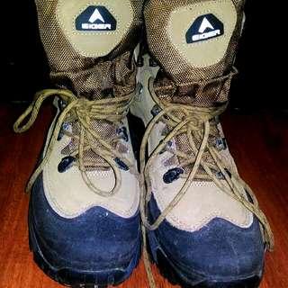 Sepatu gunung Eiger Byron Shoes ukuran 43