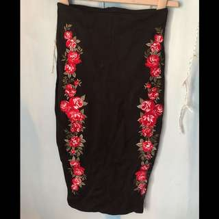 Black Pencil Skirt With Red Roses Flowers