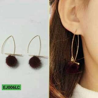 Anting Korea Fur PomPom wild long unique oval earrings