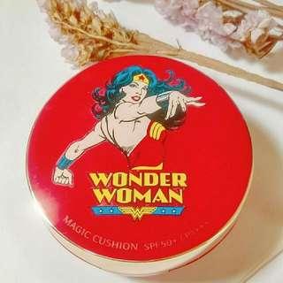 Misshapen Wonder Woman氣墊粉餅盒