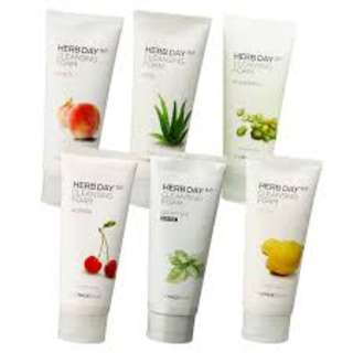 The Faceshop Herb Day 365 Cleansing Foam