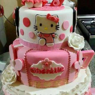Hello Kitty Cake (3 layers)