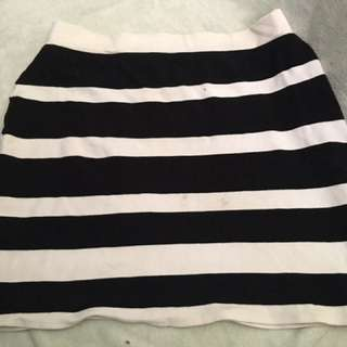 Striped B&W Skirt 😊