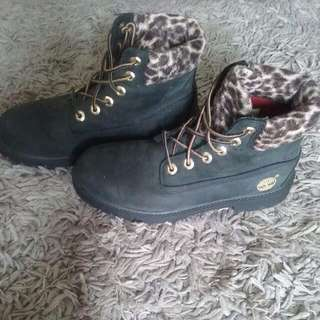 Leopard print Timberland boots 7-7.5 US